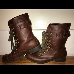 Size 8 Brown combat boots Penney's lace up